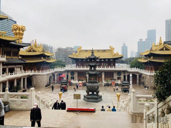 上海静安寺中庭全体