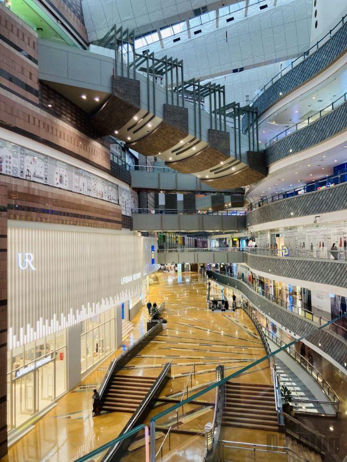 上海ミリオンズ百貨店館内