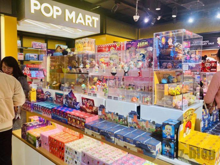 上海POPMART店内②