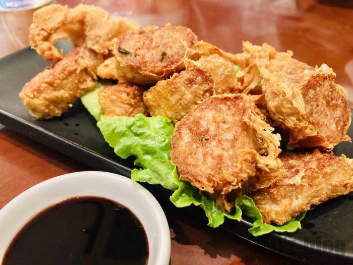 上海钨节路新加坡餐厅エビのすり身揚げ