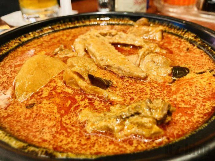 上海钨节路新加坡餐厅カレー